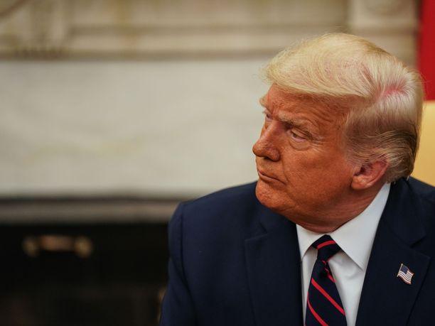 Donald Trump haluaa blokata arvostelijoitaan Twitterissä.