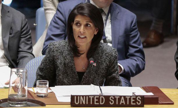 Yhdysvaltain YK-lähettiläs Nikki Haley ei pidä maailmanlaajuista ydinaseiden kieltoa realistisena.