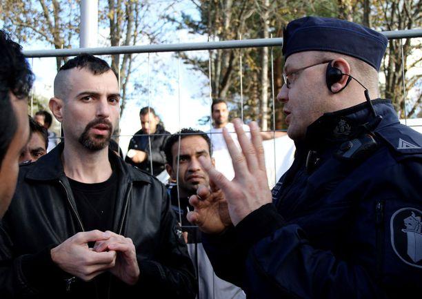Irakista Ouluun tullut Yassir Yuonus pitää suomalaisista. Hän haluaisi asettua asumaan Suomeen.