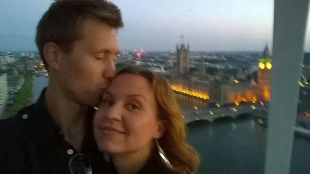 Viola ja Esa viettivät honeymoonia Lontoossa.