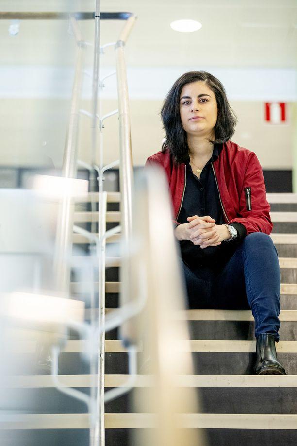 – Eivät ihmisten uskomukset häviä, vaikka heidät tuodaan Suomeen. Opiskelu ja työ ovat tärkeimpiä ajattelun muuttajia. Aikakin auttaa, Seida Sohrabi sanoo.