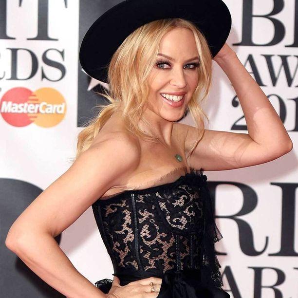 Kylie Minogue kuvattuna Brit Awards -gaalassa helmikuussa.