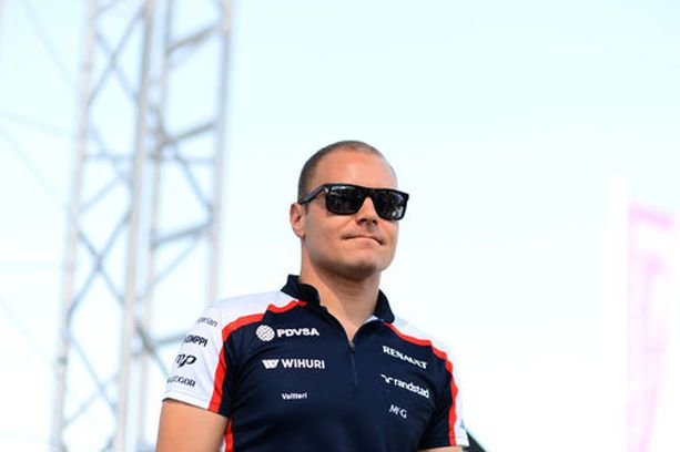 Valtteri Bottas suitsutti vuolaasti Williams-väkeä ensimmäisistä pisteistään.