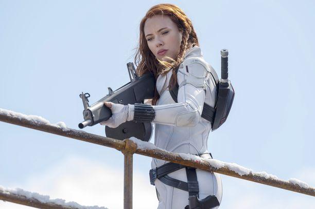 Scarlett Johansson tähdittää Black Widow -elokuvaa.