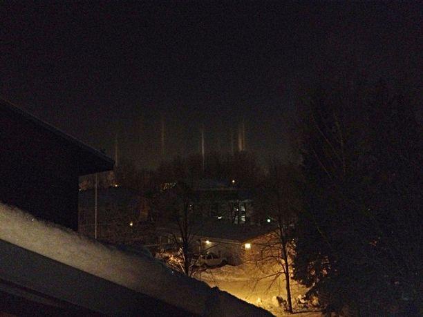 Revontulia Helsingin Malmilla 25.01.2013 noin klo 02.00!