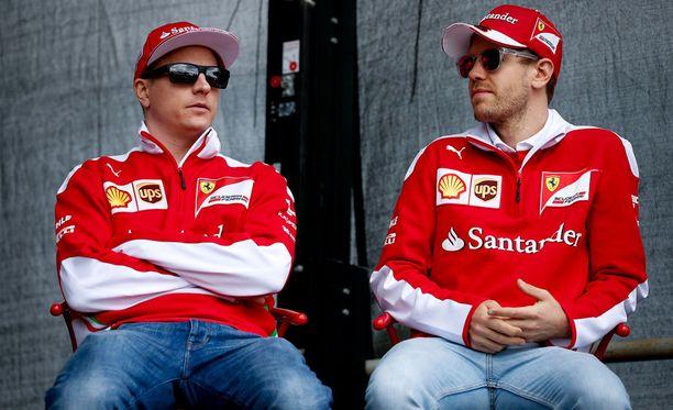 Kimi Räikkösen ja Sebastian Vettelin rengastaktiikka Bahrainiin vaikuttaa konservatiivisemmalta kuin Mersulla.