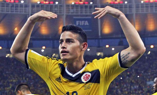 Kolumbian James Rodriguez hurmaa maaleillaan ja syötöillään.