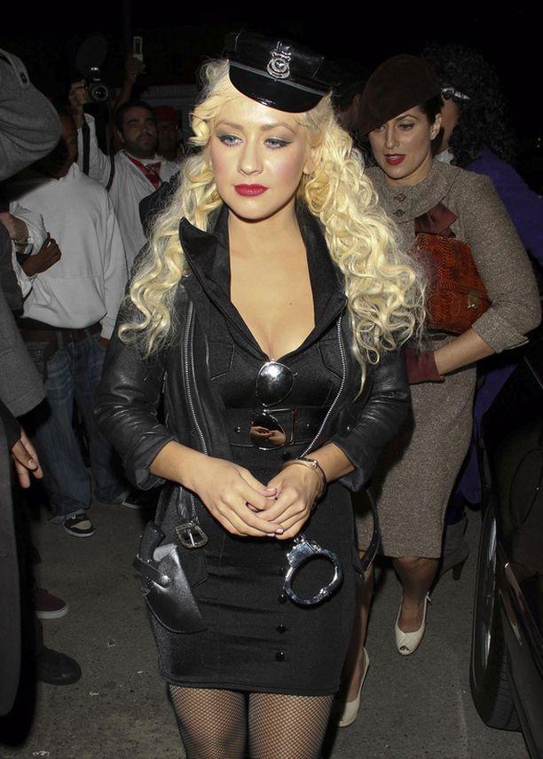 Christina Aguilera oli sähäkkä lainvalvoja.