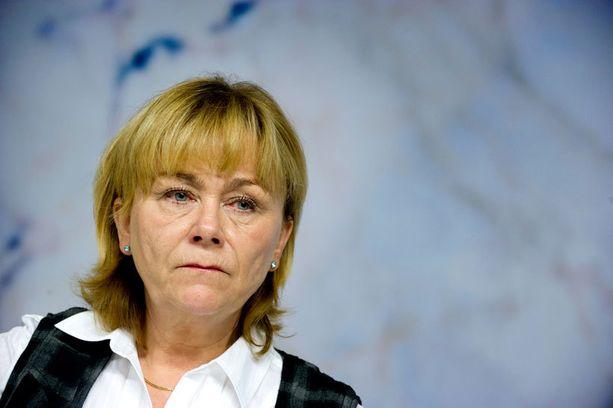Beatrice Ask sai nopeasti huomata haksahtaneensa vitsiuutiseen. Asian selittely toisenlaiseksi ei vakuuttanut Ruotsissa.