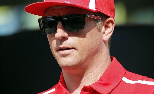Kimi Räikkönen vahvisti, että sai Monzassa kuulla tallinsa päätöksen Charles Leclercin nostamisesta kisakuskiksi 2019.