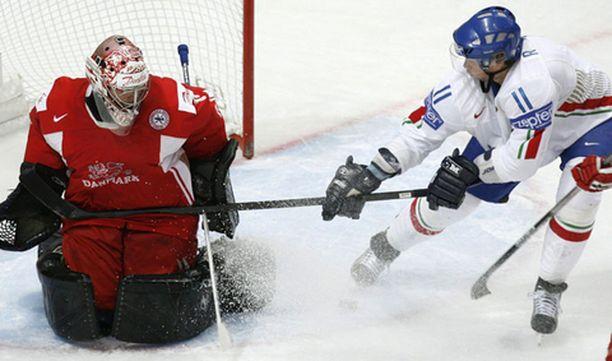 Tanskan maalivahti Peter Hirsch taipui vain kahdesti Italiaa vastaan.