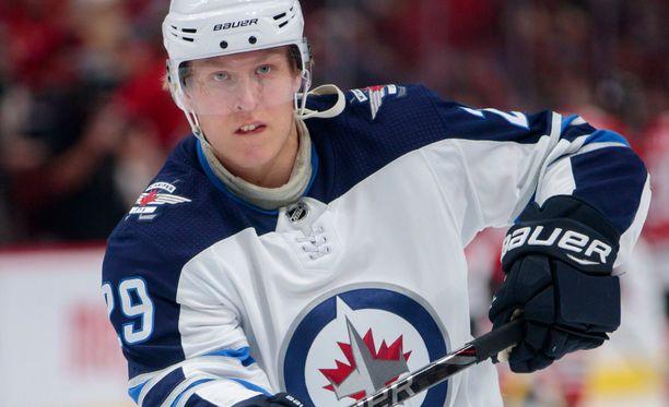 Patrik Laine on NHL:n maalipörssissä Aleksandr Ovetshkinin jälkeen toisena.