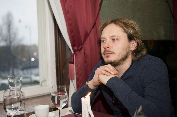 Jonne Aaron on tunnettu suomalainen laulaja, lauluntekijä ja muusikko.