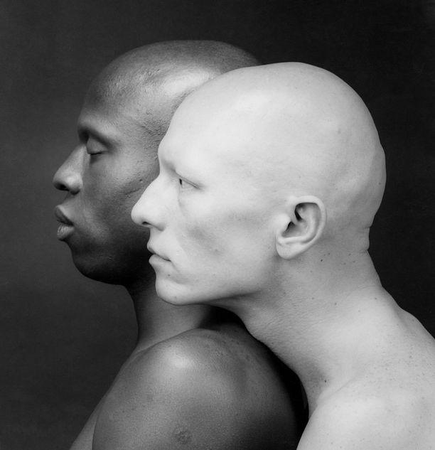 Tästä Kenin ja Robertin kuvasta on tullut yksi Mapplethorpen ikonisimmista.
