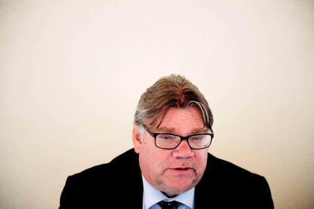 Ulkoministeri Timo Soini on kirjoittanut yhteisen julkilausuman Ruotsin ulkoministerin Margot Wallströmin kanssa.