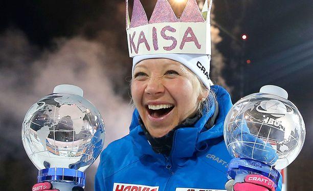 Kaisa Mäkäräinen on maailmancupin kokonaiskilpailun hallitseva mestari.