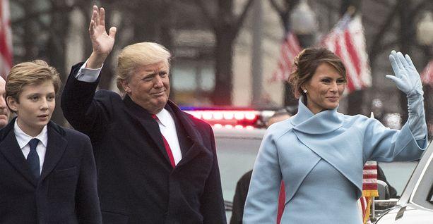 Barron Trump oli 10-vuotias isänsä Donald Trumpin virkaanastujaisissa 20.1.2017.