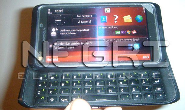 Onko tässä Nokian N9-mallin prototyyppi?