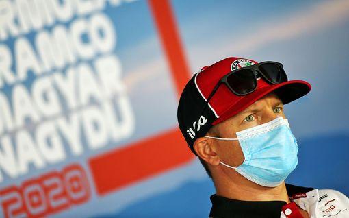 """""""Onko sinut pakotettu tähän?"""" Kimi Räikkönen yllätti vastailemalla fanien kysymyksiin netissä – hauskuutti kommentilla Robin-pojasta"""
