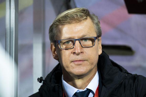 Päävalmentaja Markku Kanervan miehistön rivit harvenivat.