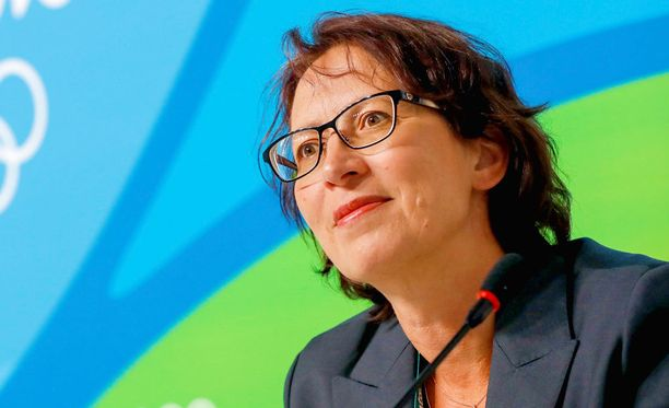 Sari Essayahin mukaan kristillisdemokraatit keskustelevat mahdollisuudesta mennä hallitukseen.