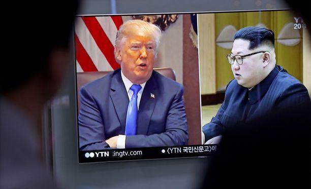 Trump ja Kim eteläkorealaisissa tv-uutisissa.