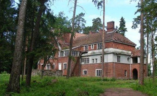 Saarella on myös vuoden 1918 sidällissodan aikainen valkoisten muistomerkki. 565 aseistetun valkoisen talonpojan joukko joutui perääntymään saareen epäonnistuneen Viipurin-retken jälkeen.