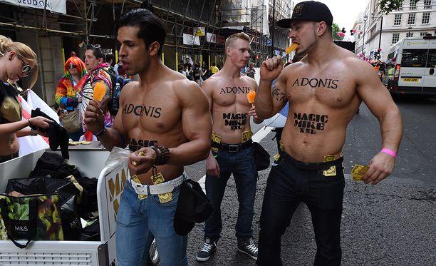 Kuva on viimevuotisesta Pride-kulkueesta Lontoossa.