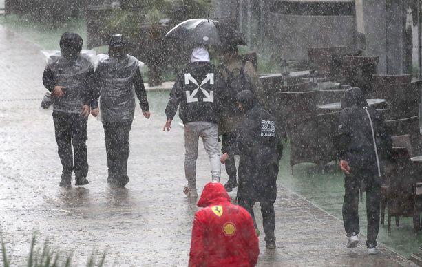 Sotshissa sataa rankasti.