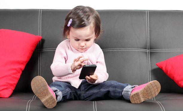 Suomalaisen somepioneerin mukaan digiaika kasvattaa lapsia, jotka eivät osaa leikkiä.