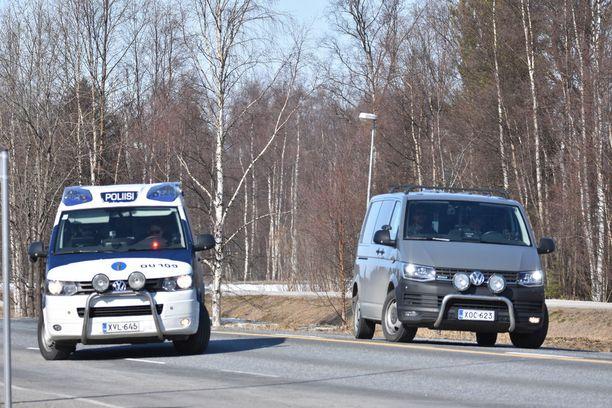 Poliisi sulki tien 816 liikenteeltä pitkäksi ajaksi.