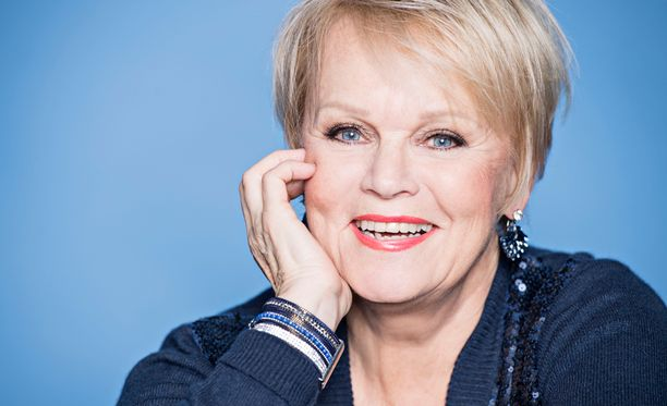 Katri Helena sai suomalaisen jouluklassikon päähänsä kesken kotitöiden.