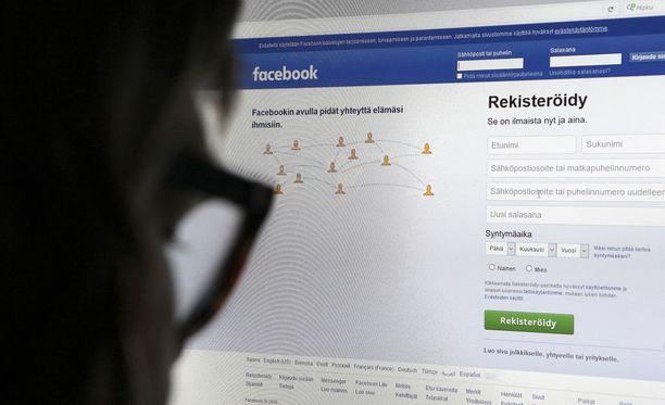 Sosiaalisen median palvelu Facebook on kulkenut viime viikkoina kohusta toiseen.