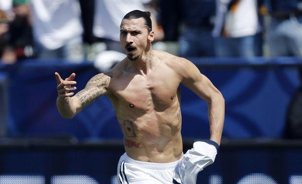 Zlatan Ibrahimovic pelasi mahtavan debyytin Los Angelesissa.