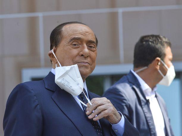 Silvio Berlusconi oli hoidettavana Milanossa San Raffaelen sairaalassa.