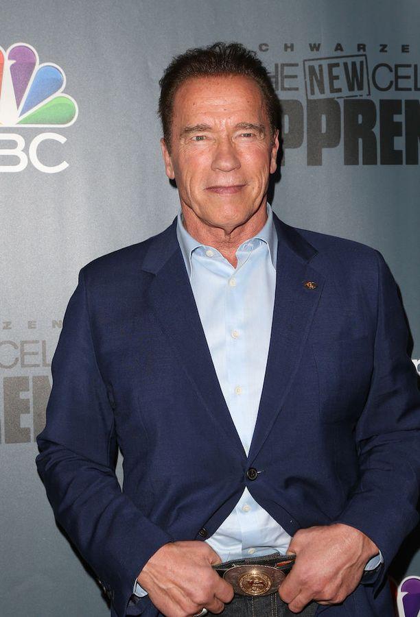 Arnold Schwarzenegger vitsaili presidentti Trumpin kustannuksella radiossa.