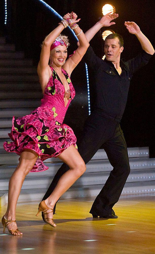 Nicke Lignellin ja parinsa Susa Matson tulivat hienosti toiseksi ohjelman kolmennella tuotantokaudella keväällä 2008.
