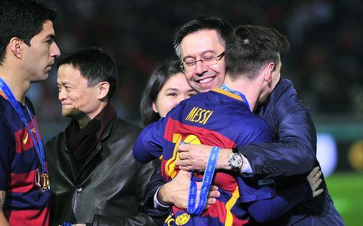 Barcelona kaaoksessa: Joukkopako hallituksesta - taustalla Messille ja muille tähdille tehty uskomaton skandaalitemppu