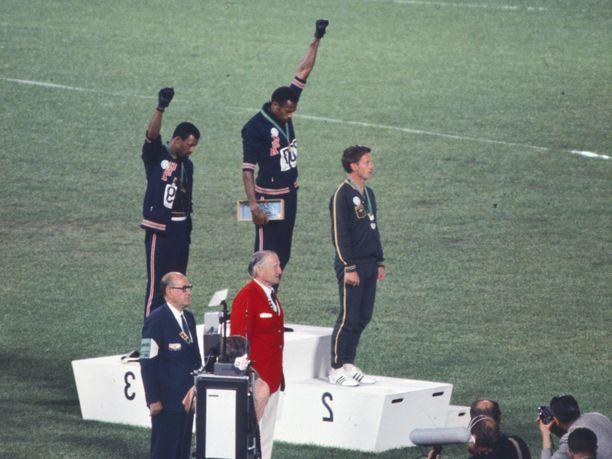 John Carlosin ja Tommie Smithin Black Power salute ei unohdu.