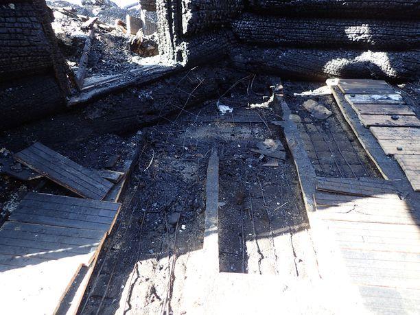 Tästä paikasta lähti tulipalo, joka vei kolmen lapsen hengen.