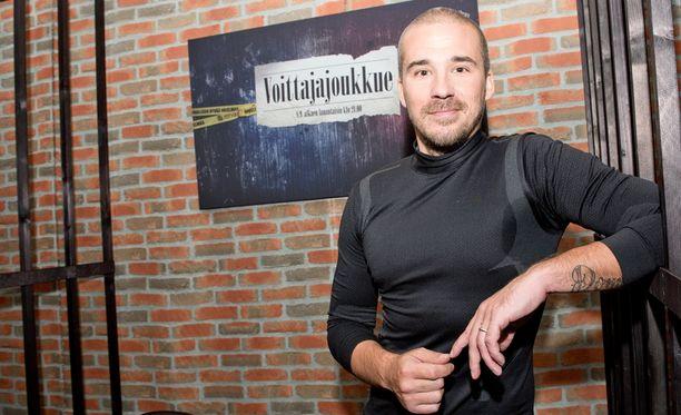 Aleksi Valavuori sanoo, ettei hän voisi toimia Jarkko Niemisen agenttina tenniksen tiukkojen vedonlyöntimääräysten vuoksi.