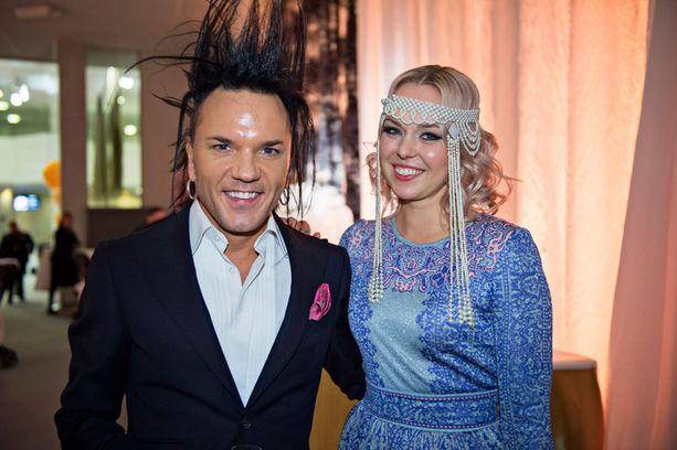 Alkuvuodesta Jussi 69 ja Minna Parikka edustivat yhdessä.