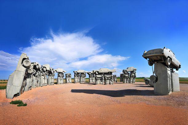 Jylhä Carhenge on nebraskalainen vastine Stonehengelle.