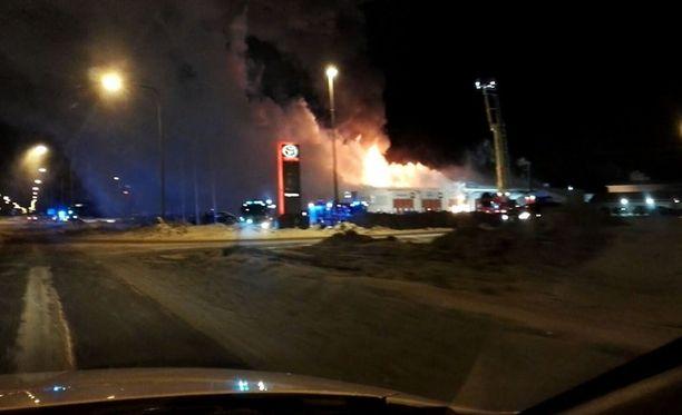 Tulipalo roihusi Keminmaassa torstain vastaisena yönä.