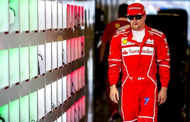 Kimi Räikkönen osaa tehdä käsillään muutakin kuin ajaa F1-autoa.