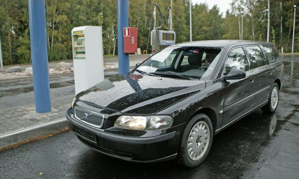 Minkä tahansa auton voi muuttaa kaasua käyttäväksi jälkikäteen.