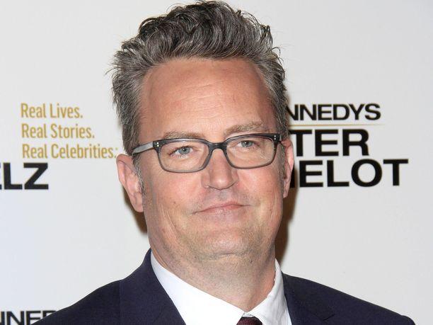 Näyttelijä Matthew Perry muistetaan muun muassa legendaarisesta Frendit-sarjasta.