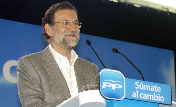 Kansanpuolueen Mariano Rajoylla on kyselyiden mukaan suuri etumatka Espanjan parlamenttivaaleissa.