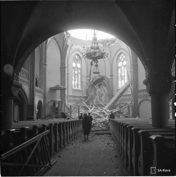 Viipurin Tuomiokirkko pommituksen jälkeen 5.2.1940.