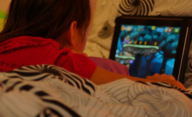 Älypuhelinta käytetään usein pienen lapsen nukuttamiseen 8f0f36e2fe